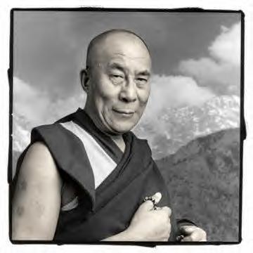Abbiamo case piu' grandi ma famiglie piu' piccole, dalai lama