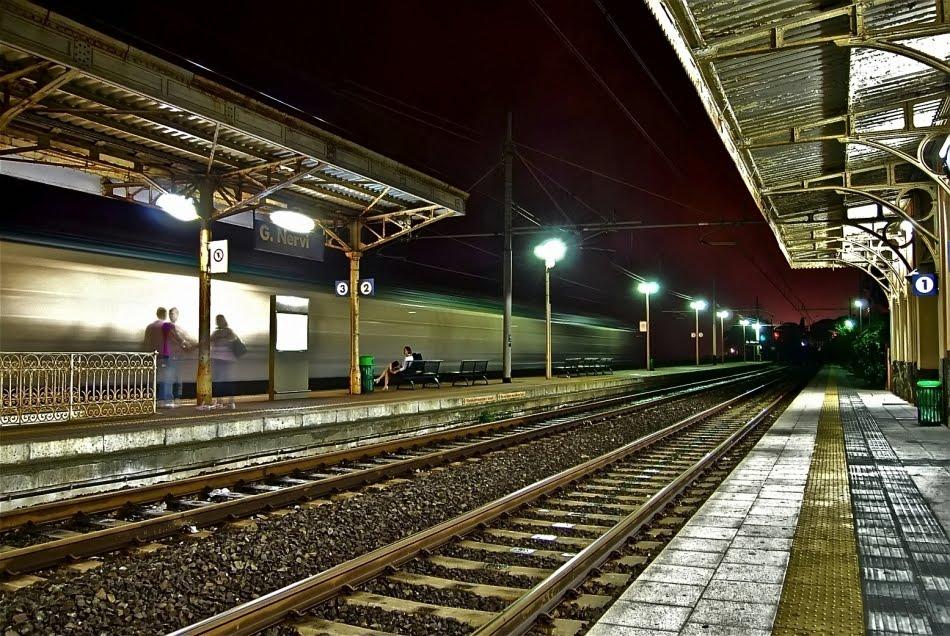 Spot ragazzi innamorati sul treno destino