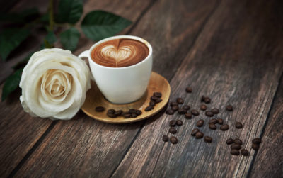 coffee_time_cup_rose_beans_white_nature_hd-wallpaper-1345657