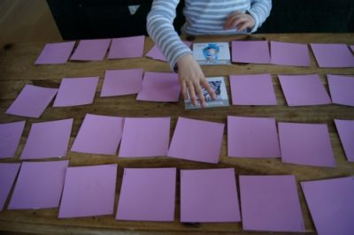 Memory-card-game-playing