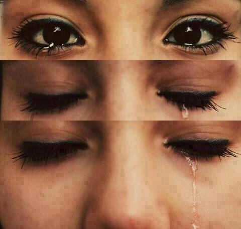 Molto lacrime-occhi * Frasi e Aforismi Straordinari* JU45